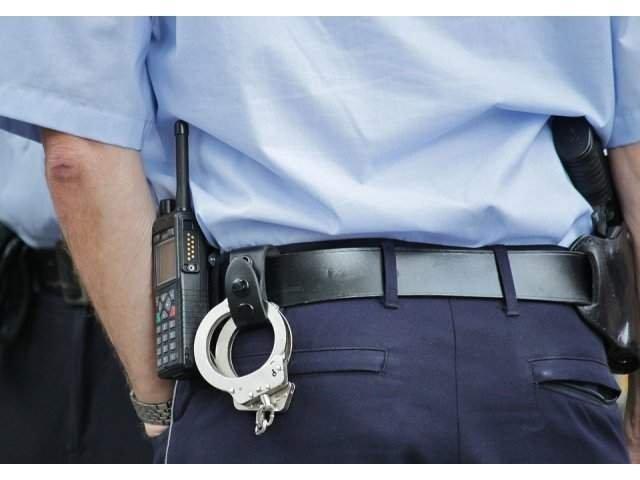 Neamt: Profesoara retinuta pentru act sexual cu un minor; elevul s-a sinucis