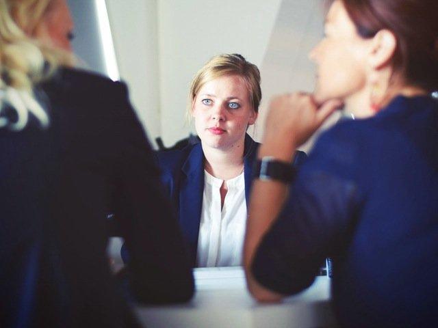 5 trucuri psihologice pentru a face o impresie buna la interviul de angajare