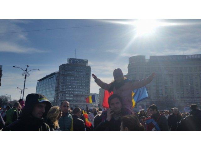 Copiii merg din nou in Piata Victoriei