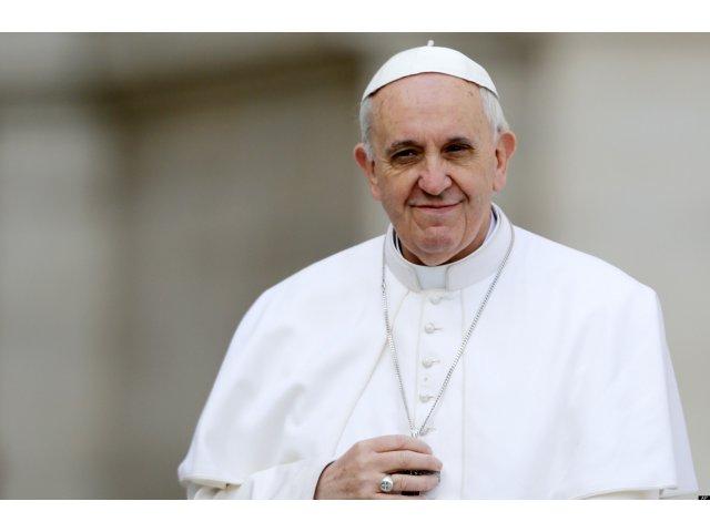 Papa Francisc: Politicienii sa renunte la insulte si asculte mai mult