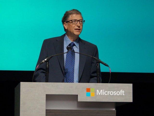 Bill Gates: Robotii care iau locurile de munca oamenilor ar trebui taxati