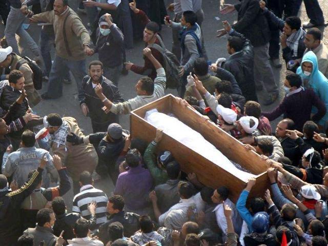 India: Un tanar s-a trezit in timp ce era aproape de a fi inmormantat
