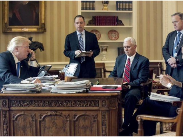 Casa Alba a cerut FBI sa cenzureze articolele din presa cu privire la legaturile dintre asociatii lui Trump si Rusia