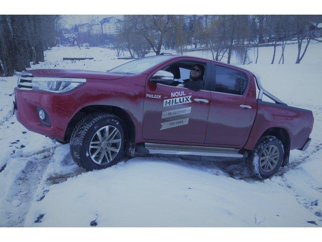 TEST-DRIVE. Toyota Hilux - imbratisarea gingasa a unui gigant