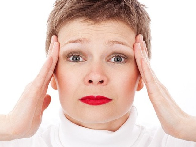 Cum poti scapa rapid de durerea de cap cu ajutorul unei felii de lamaie
