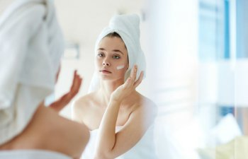 7 produse cosmetice inutile pe care nu merita sa dai banii