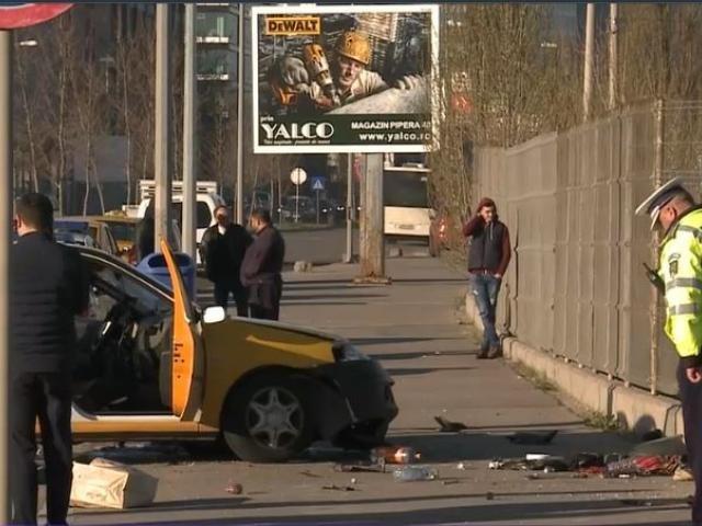 O femeie si-a pierdut viata intr-un accident de taxi in Bucuresti