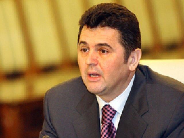 Deputatii decid astazi daca dau aviz favorabil pentru urmarirea penala a lui Eugen Bejinariu