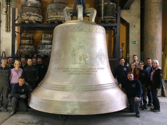 Clopotul de la Catedrala Mantuirii Neamului a costat aproape 500.000 de euro si are gravat chipul Patriarhului Daniel