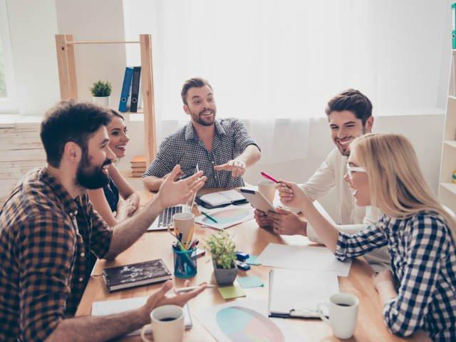 3 programe prin care tinerii romani pot sa porneasca o afacere. Ce facilitati ofera fiecare dintre ele