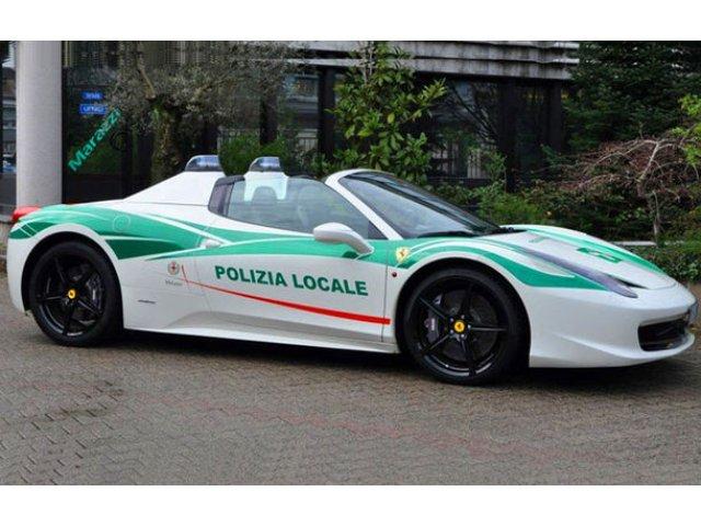 Politia italiana isi mai trece in cont un supercar: un Ferrari 458 Italia Spider, confiscat de la o grupare mafiota