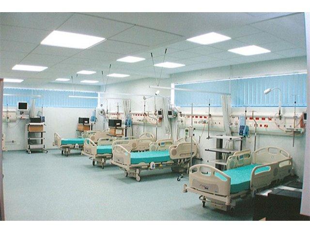 Un barbat internat la Spitalul Bagdasar a ranit o infirmiera si doi pacienti