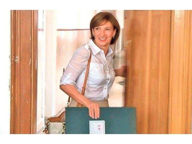 Carmen Iohannis, la slujba de Florii fara seful statului