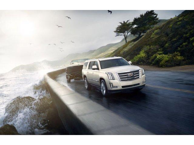 Se reaprinde un duel american 100%: noul Lincoln Navigator promite sa il bata pe actualul Cadillac Escalade