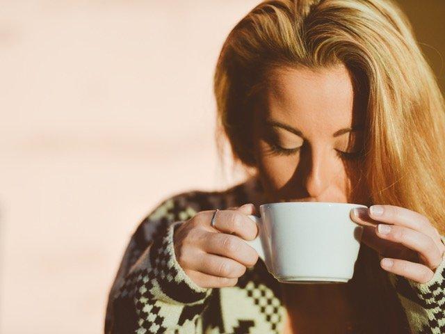 Somnul de dupa cafea: cea mai buna metoda de a scapa de oboseala