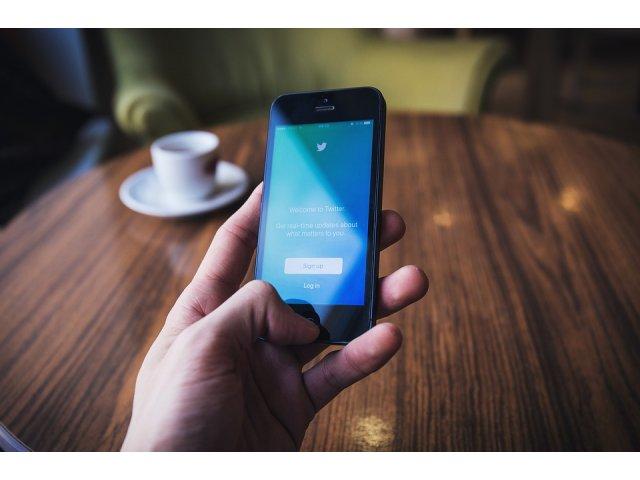 8 lucruri care-i fac pe ceilalti sa-ti dea dislike pe retelele de socializare