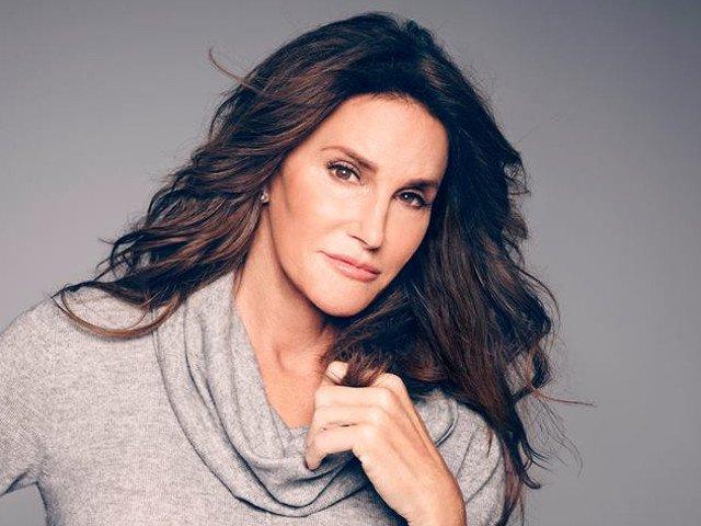 Caitlyn Jenner a anuntat ca a efectuat o operatie de schimbare de sex