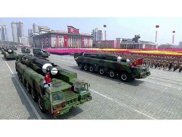 VIDEO Coreea de Nord ameninta SUA cu atacuri nucleare si organizeaza o parada militara impresionanta