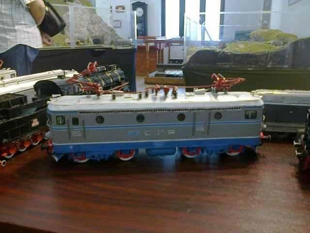 REPORTAJ: Singura fabrica de machete de trenuri din Romania livreaza vagoane si locomotive de colectie in peste 50 de tari
