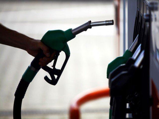 Preturile petrolului scad din cauza productiei mari din SUA