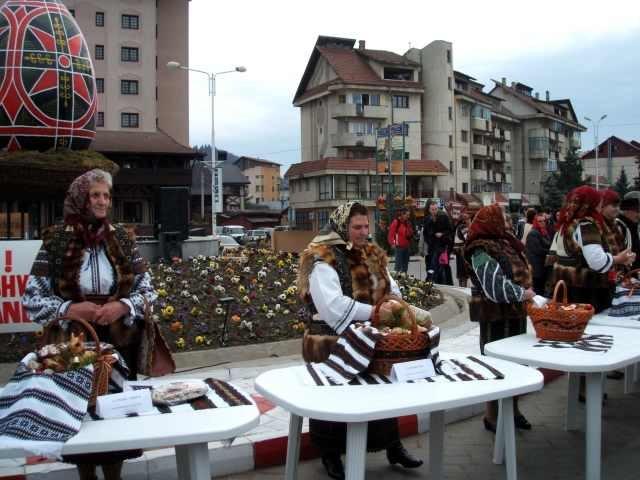 Romanii care au petrecut Pastele in tara au cheltuit 7 milioane euro, in principal la pensiuni rurale