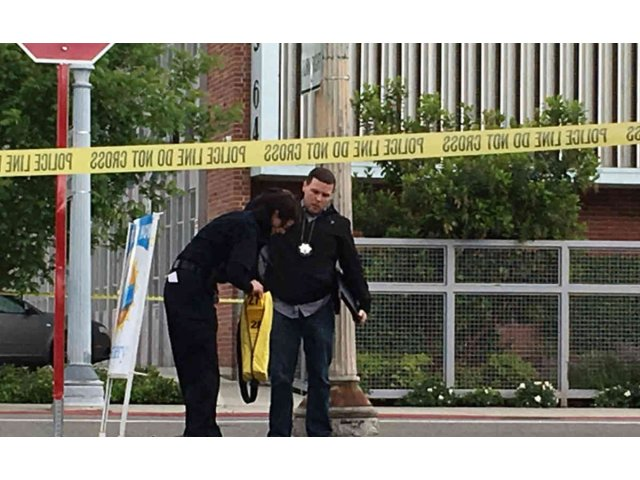 Trei persoane au murit intr-un atac armat in centrul Californiei