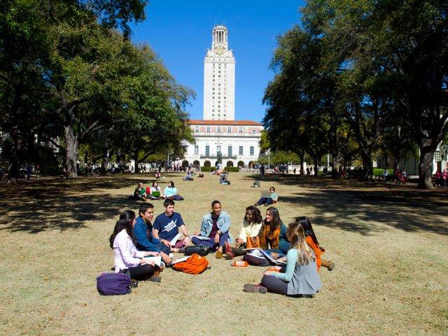 Un student ucis si alti trei raniti prin injunghiere la Universitatea din Texas