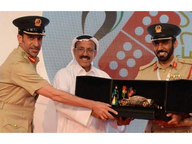 Modelul Dubai: Politia din Emirate premiaza cu masini soferii care nu comit contraventii timp de un an