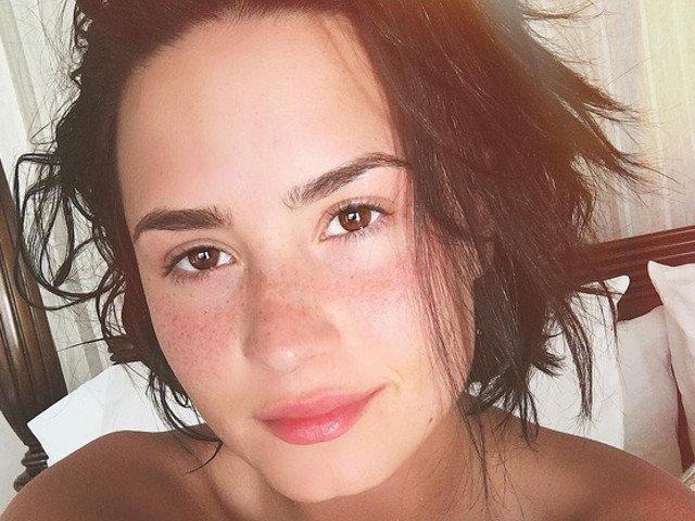 9 celebritati pe care nu le vei recunoaste fara machiaj