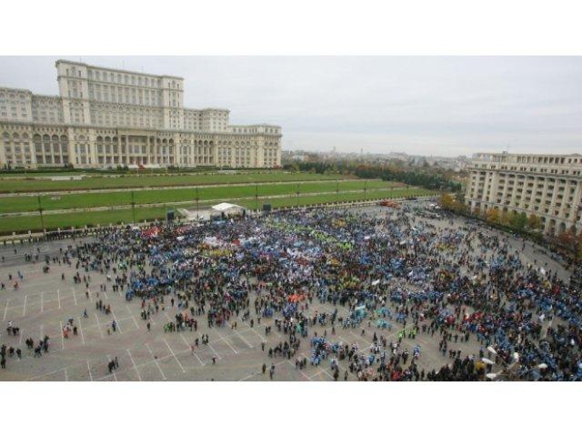 Circulatia in Piata Constitutiei si pe artere din centrul Capitalei, inchisa in weekend pentru Semimaratonul Bucuresti