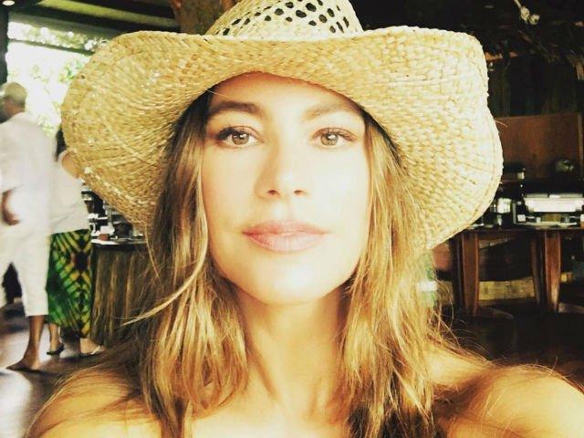 7 trucuri de frumusete de la Sofia Vergara. Oricine le poate pune in practica
