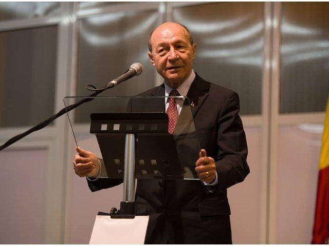 Traian Basescu: O sa ii dau o veste proasta lui Victor Ponta, il dau in judecata