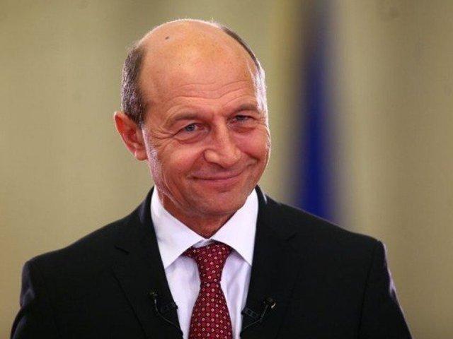 Traian Basescu se plange ca are pensia prea mica
