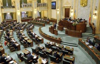 Proiectul Legii salarizarii intra la vot in Senat. Au fost majorate venituri in Educatie, Mediu si administratie publica