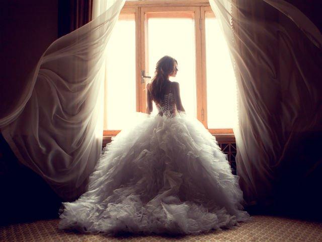 [FOTO] Cea mai frumoasa rochie de mireasa ombre! A lucrat 61 ore la ea