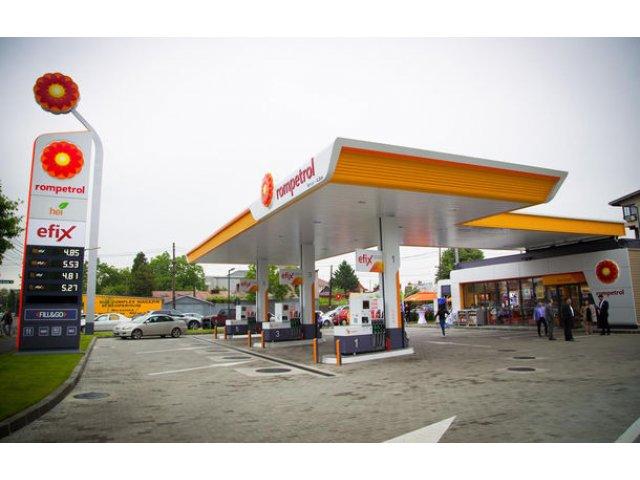 Rompetrol deschide prima benzinarie cu statie de incarcare pentru masini electrice. Reteaua va avea 8 statii in 2017