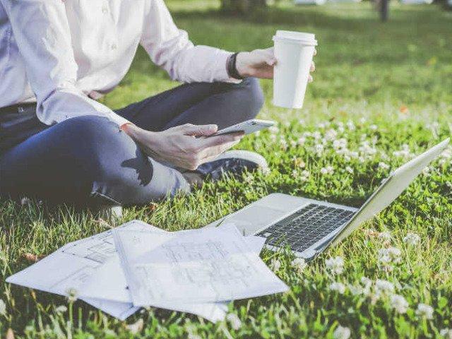 Inlocuieste jobul de vara sau vacanta cu primii pasi in business