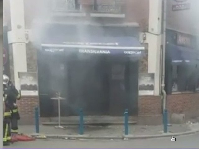 Atac intr-un restaurant din Paris: 12 raniti