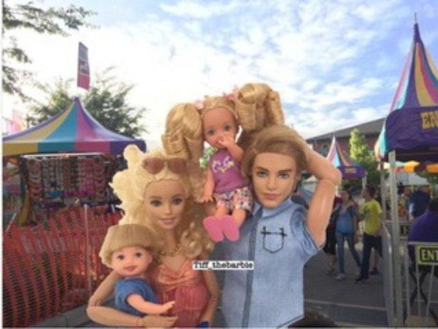 [FOTO] Cum ar fi aratat papusa Barbie daca ar fi fost o mama moderna