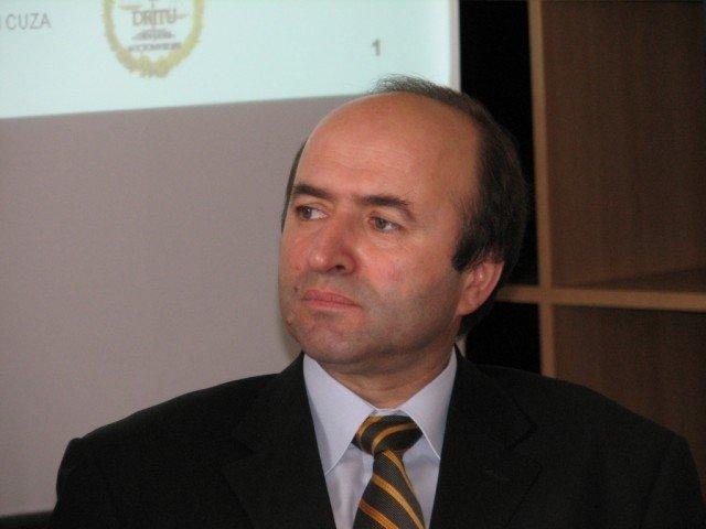 Ministrul Justitiei, Tudorel Toader, isi anunta demisia