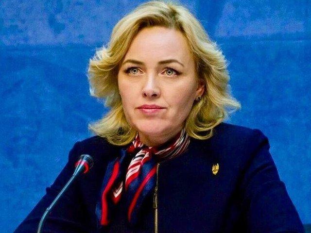 Carmen Dan: Domnul Grindeanu in acest moment e singur, un premier al nimanui, legat cu lanturi de scaunul de prim-ministru. Demisiile noastre nu sunt intamplatoare