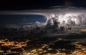 10 imagini spectaculoase facute din cabina pilotului