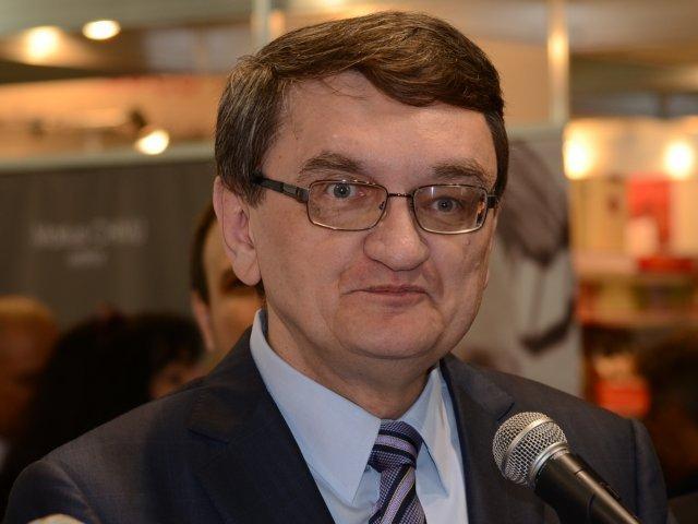 Senat: Avocatul Poporului va avea rang si salariu de ministru si pensie de judecator CCR