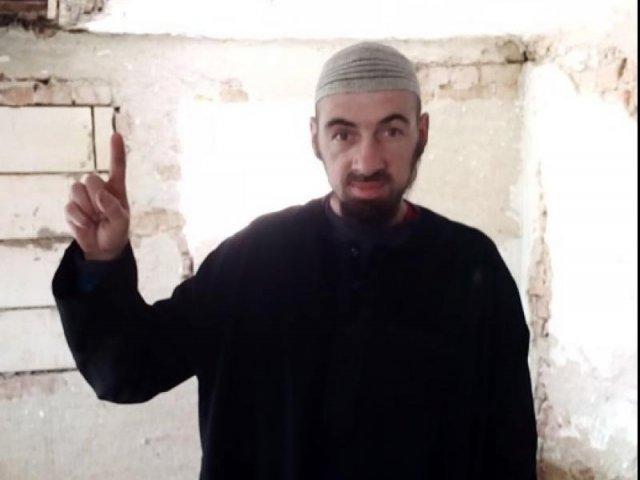 Barbatul din Arges suspectat de terorism are un copil si munceste ca zilier