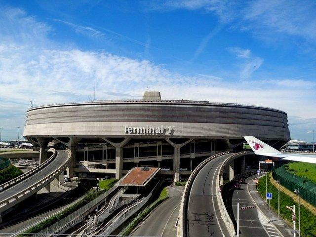 Peste 2.000 de persoane, evacuate in urma unui incident de securitate pe aeroportul Charles de Gaulle