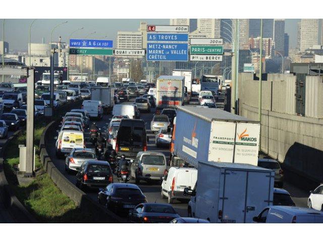 Franta vrea sa interzica vanzarea de masini diesel si pe benzina pana in 2040