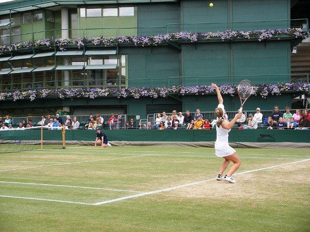 Simona Halep, mai aproape de locul 1 mondial. Angelique Kerber, eliminata in optimi la Wimbledon