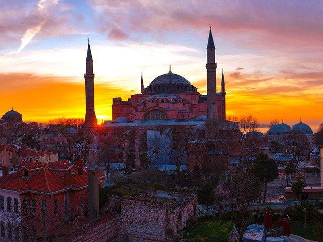 Atentionare de calatorie in Istanbul: Posibile manifestatii cu ocazia zilei de 15 iulie