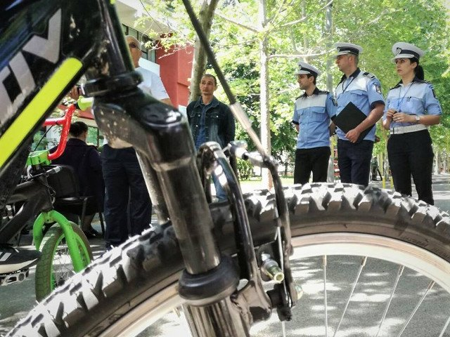 Politia Romana: Reguli de circulatie cu bicicleta