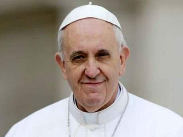 """Un semn pe care scrie """"Interzisa lamentarea"""", afisat pe usa camerei Papei Francisc"""